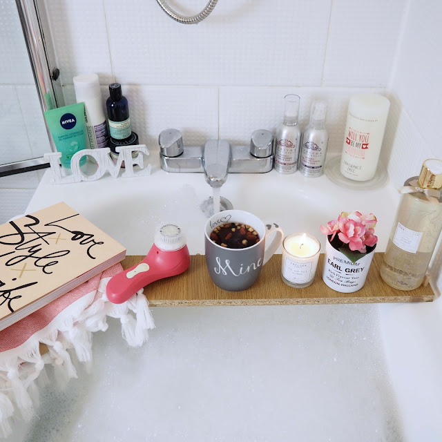 cosy and romantic bath at home