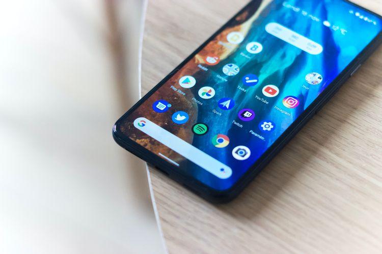 أول هاتف يعمل بنظام Android في العالم