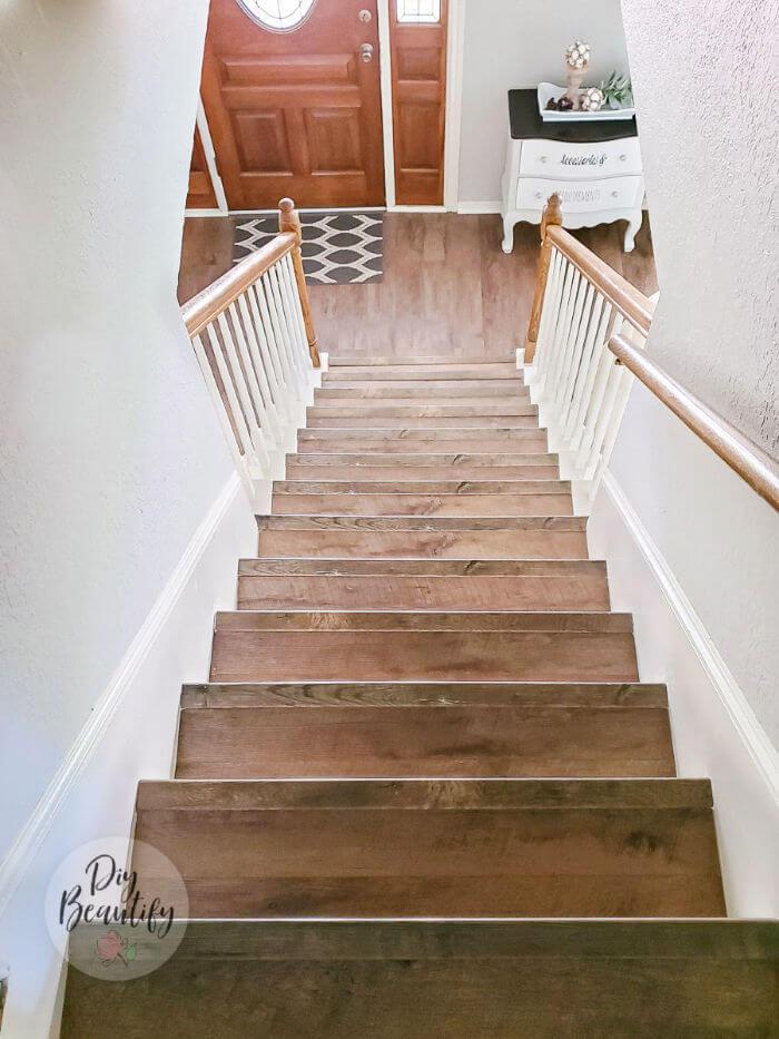installing laminates on stairs
