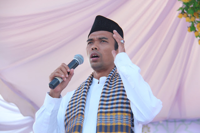 Biodata dan Profil Ustadz Abdul Somad
