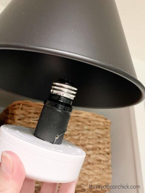 easy way to screw puck lights into fixture
