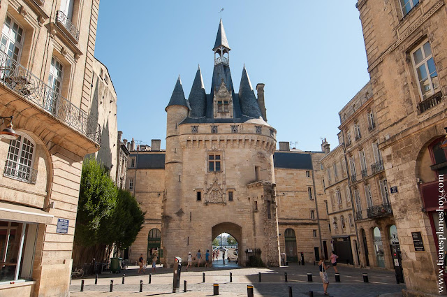 Puerta Cailhau Burdeos Bordeaux viaje Francia