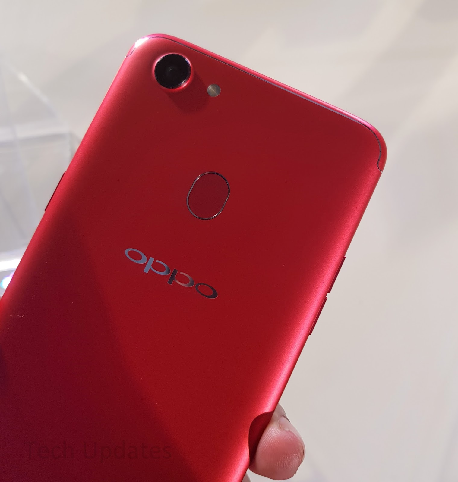 Reasons to buy and not to buy oppo f5 tech updates oppo f5 comes with artificial intelligence technology that self learns and recognizes the differences between skin tones and color age the gender of stopboris Image collections