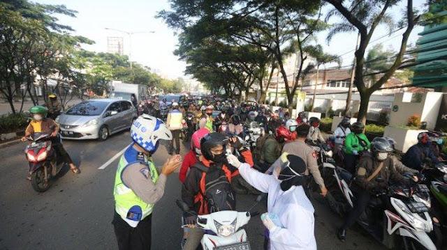 Wali Kota Bandung Tegaskan Tak Boleh Boncengan Pakai Motor, Meski Satu Alamat di KTP