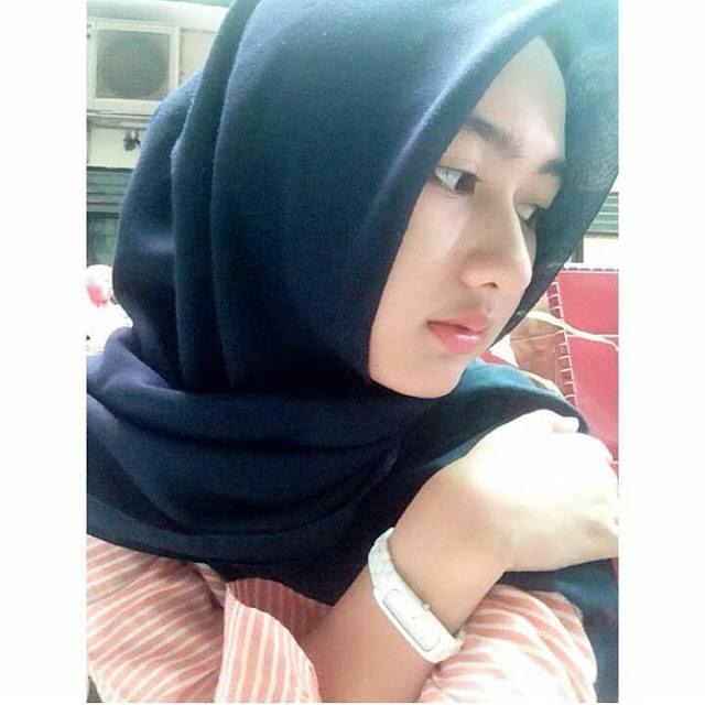 Beautiful Hijaber From Surabaya