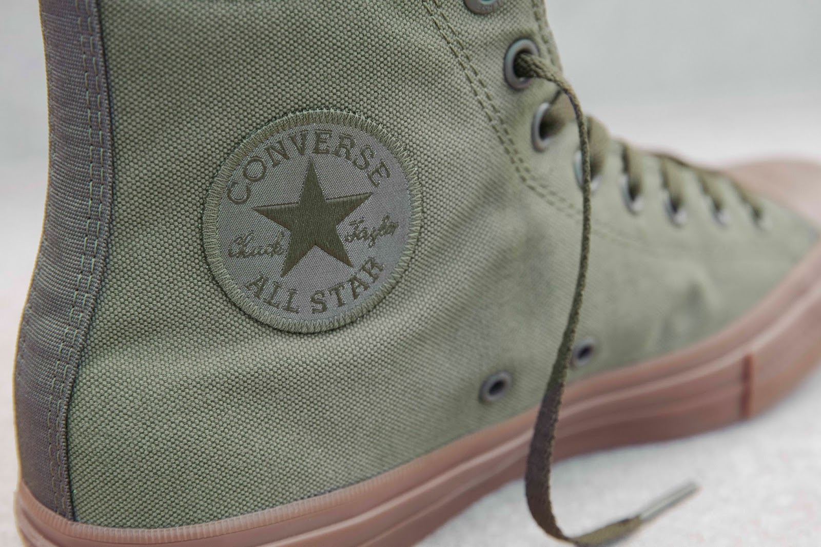 626bf81fb186 Highlights of the Converse Chuck Taylor All Star II Gum also include  premium canvas upper
