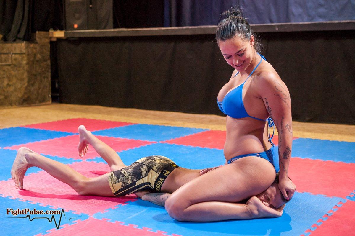 por Mixed wrestling