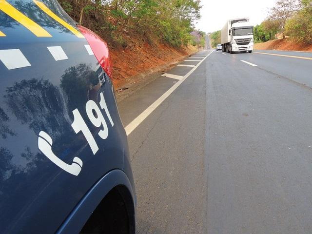PRF salva homem que teve mal súbito em ônibus em Barra do Turvo