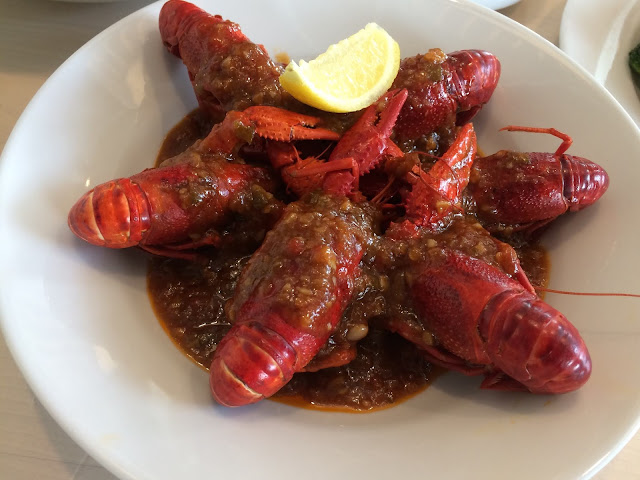 Crayfish with Spicy Tomato Sauce
