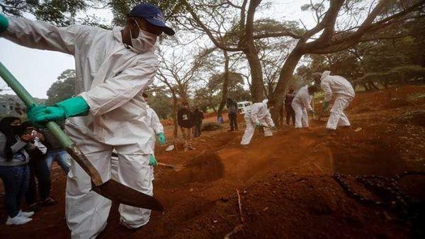 Brasil rebasa los 65.000 decesos por coronavirus