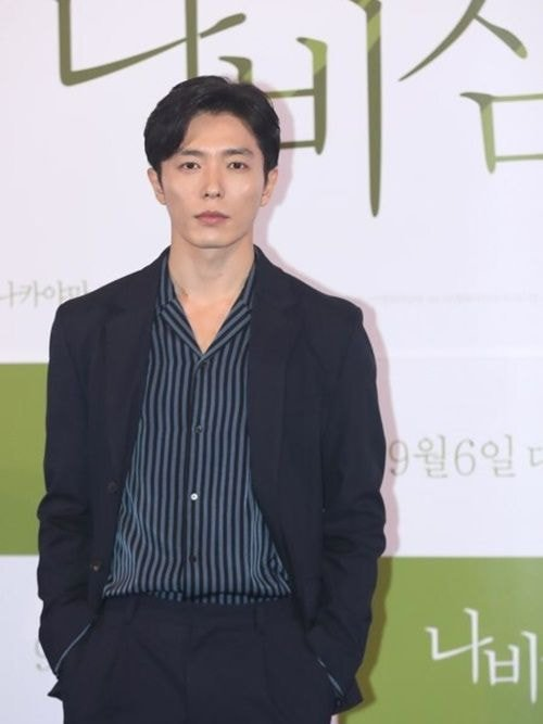 Actor Kim Jaewook reportedly will be the main character of the upcoming drama 'Crazy Love'!