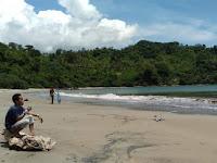 Pantai Genjor Trenggalek Surganya Pantai Yang Bersih Nan Alami