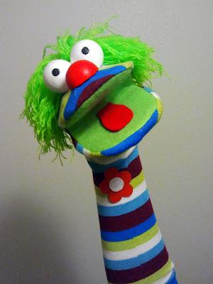 marionetas de calcetines bilaketarekin bat datozen irudiak
