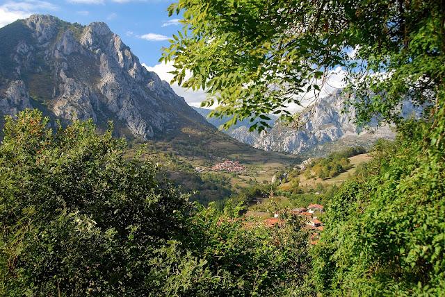 Sierra del Gorrión y Sierra de Caranga. Toriezo y Villar de Salcedo. Quirós . Asturias naturaleza.