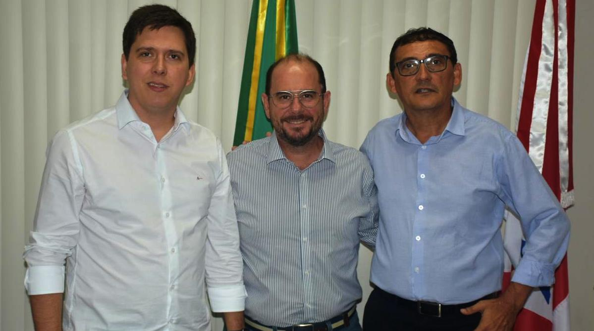 Líder nas pesquisa para prefeito de Altamira deixa o PDT e se filia ao PL