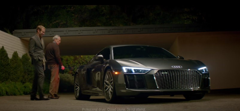 "Audi R8 Super Bowl Ad ""Commander"" Featuring David Bowie's ""Starman"""
