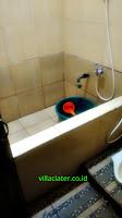 kamar mandi villa dgiv 3 kamar di ciater