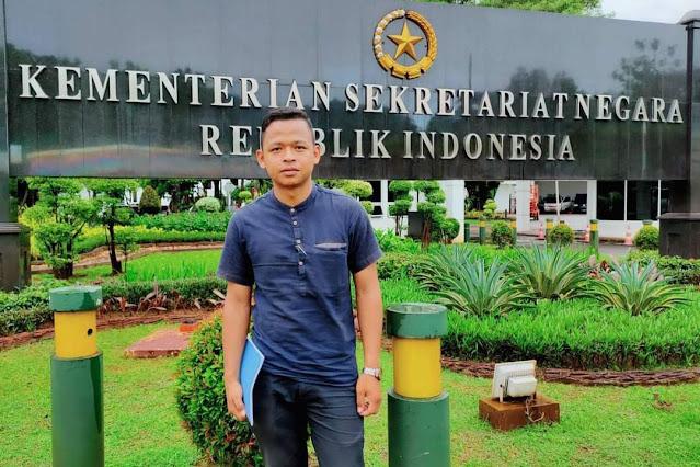 Keterangan foto : Darlinsah, SH warga Dua Koto Kabupaten Pasaman.