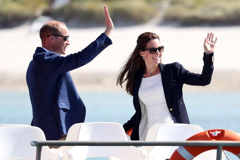 Wakacje rodzinki z Cambridge na archipelagu Scilly + Nowe zdjęcie księżniczki Charlotte! + więcej