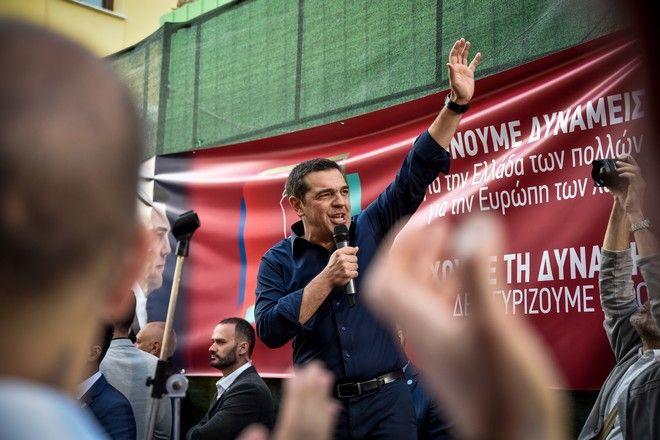 Έσυραν με την βία διαδηλωτή για να μην τον ακούει ο πρωθυπουργός – Απίστευτες εικόνες (ΒΙΝΤΕΟ)