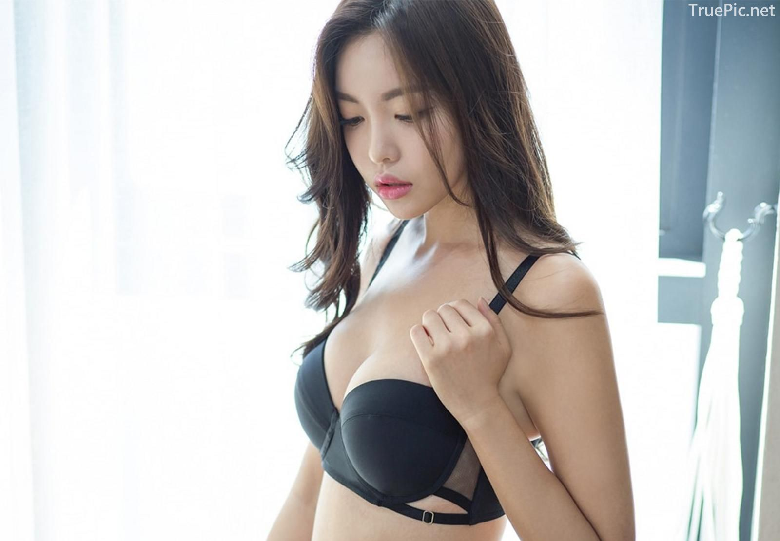 Korean model and fashion - Jin Hee - Black and white Lingerie - Picture 7