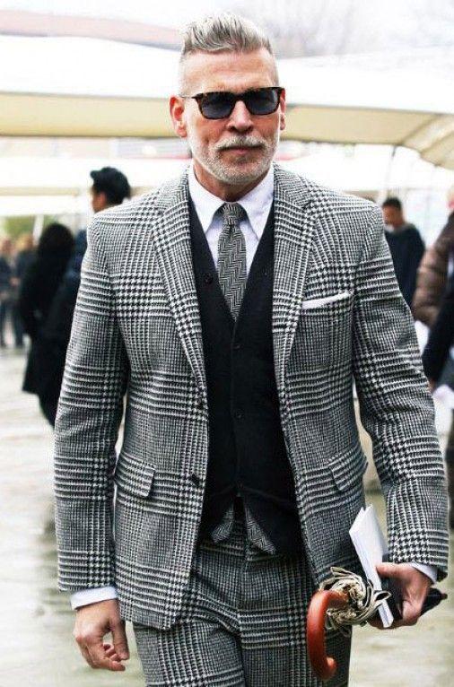 f11492897 Um dos fashionistas mais conhecidos do mundo, sempre presente em todas as  Semanas de Moda Internacionais e Destaque frequente em Mídia Especializada  de Moda ...