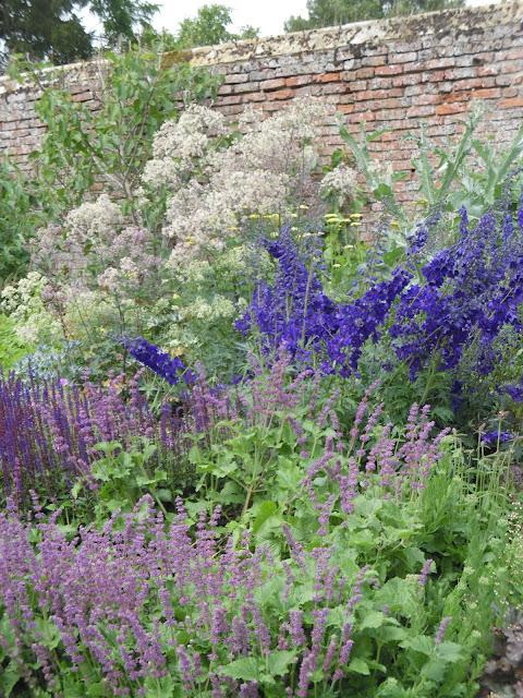 angielski ogród, rabata bylinowa
