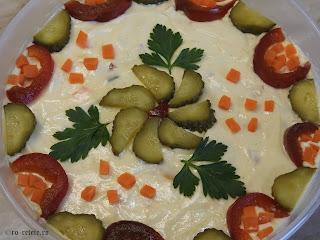 Salata de boeuf de casa reteta cu pui retete mancare gustare garnituri aperitive craciun pasti revelion carne legume maioneza olivier a la russe,