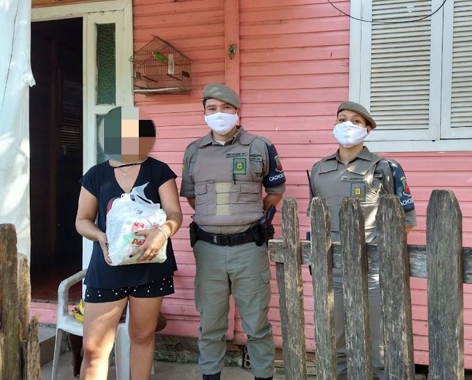 Vítimas de violência doméstica recebem cestas básicas em Cachoeirinha