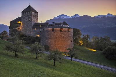 Castillo de Vaduz - Una Galaxia Maravillosa