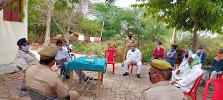 कोरोना वायरस के संक्रमण से बचाव/नियंत्रण के दृष्टिगत मुस्लिम धर्मगुरूओं के साथ पीस कमेटी की मीटिंग -उपजिलाधिकारी माधौंगढ़   Peace committee meeting with Muslim religious leaders for prevention/control of coronavirus infection - Deputy Magistrate Madhongad         संवाददाता, Journalist Anil Prabhakar.                 www.upviral24.in