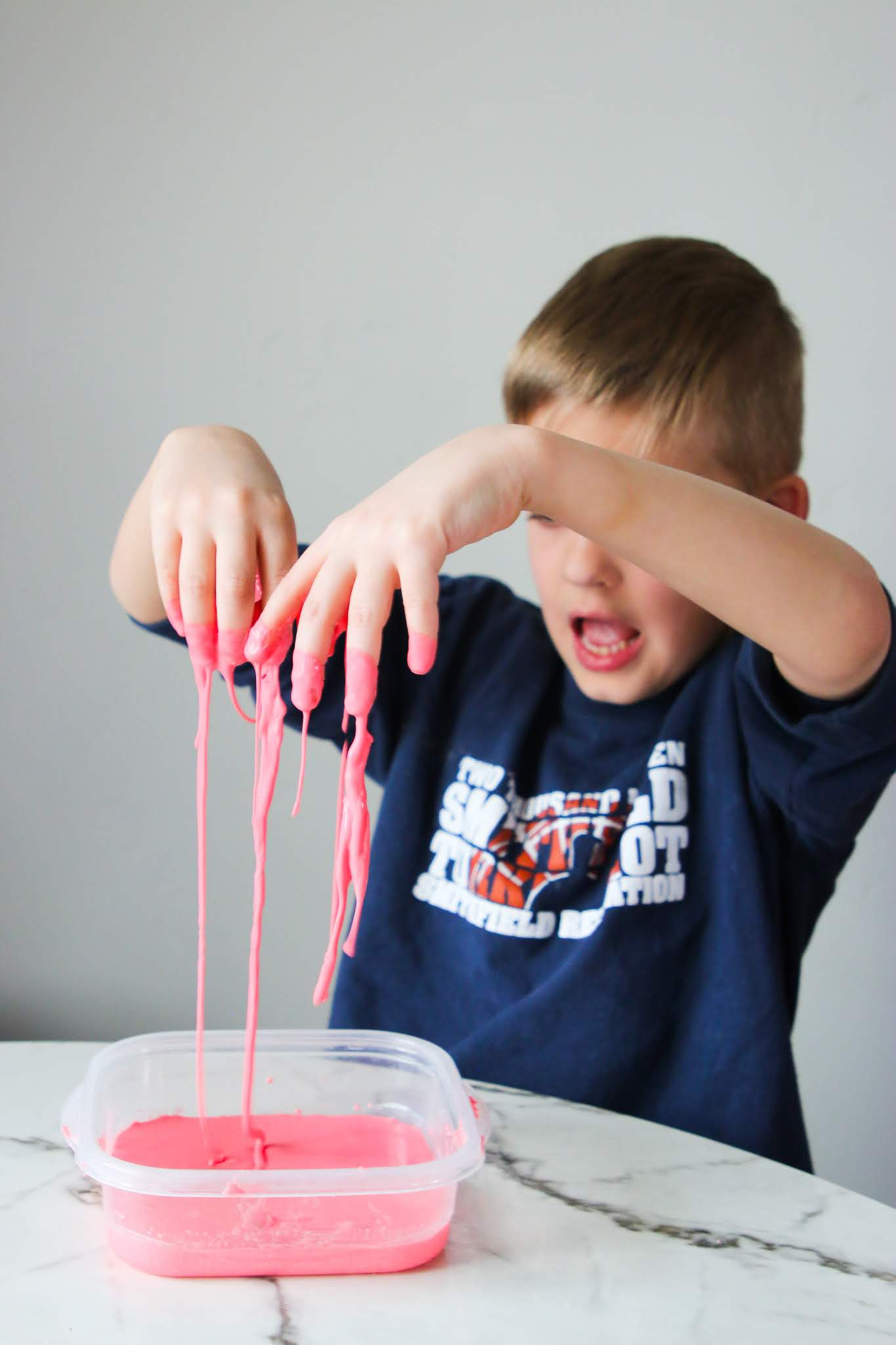 How do you make oobleck. How to make oobleck at home. Dr Seuss Bartholomew and the Oobleck. Super inexpensive fun kitchen experiment. Science experiment for kids. Homeschool science ideas. Homeschool art ideas. Sensory play at home. Home OT and PT ideas. Oobleck recipe. Oobleck Experiment. DIY oobleck. Oobleck craft. Oobleck slime. Quarantine activity ideas. #oobleck #drseuss #slime #craftsforkids #pt #ot #sensory #homeschool #science #quarantine #pandemic