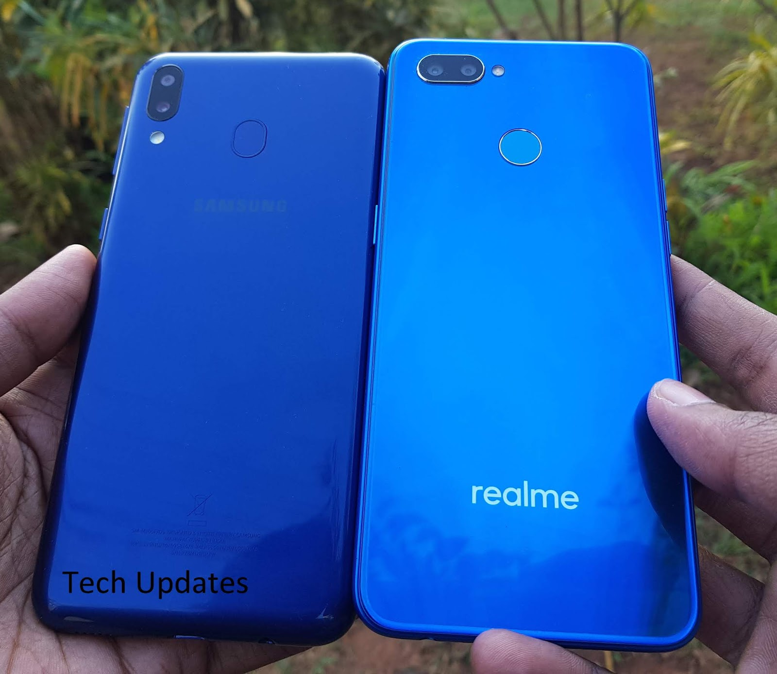 Samsung Galaxy M20 vs Realme U1 : Design, Camera
