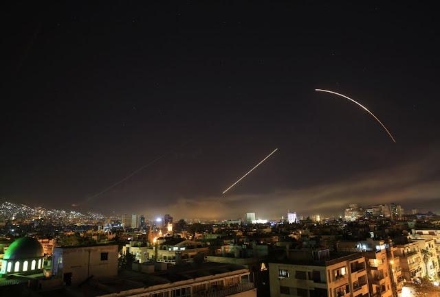 Luces en la noche siria