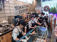 Tom N Toms Coffee Manila, employees, staff, barista