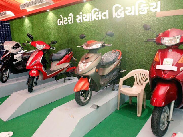 Gujarat Govt Has give 12000 as financial assistance to students to bought electric two wheeler
