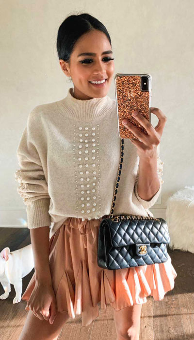 24 Cute Fall Outfits You Should Already Own. Fall Style & Fashion for Women via higiggle.com | jumper outfits | #jumper #falloutfits #fashion #skirt