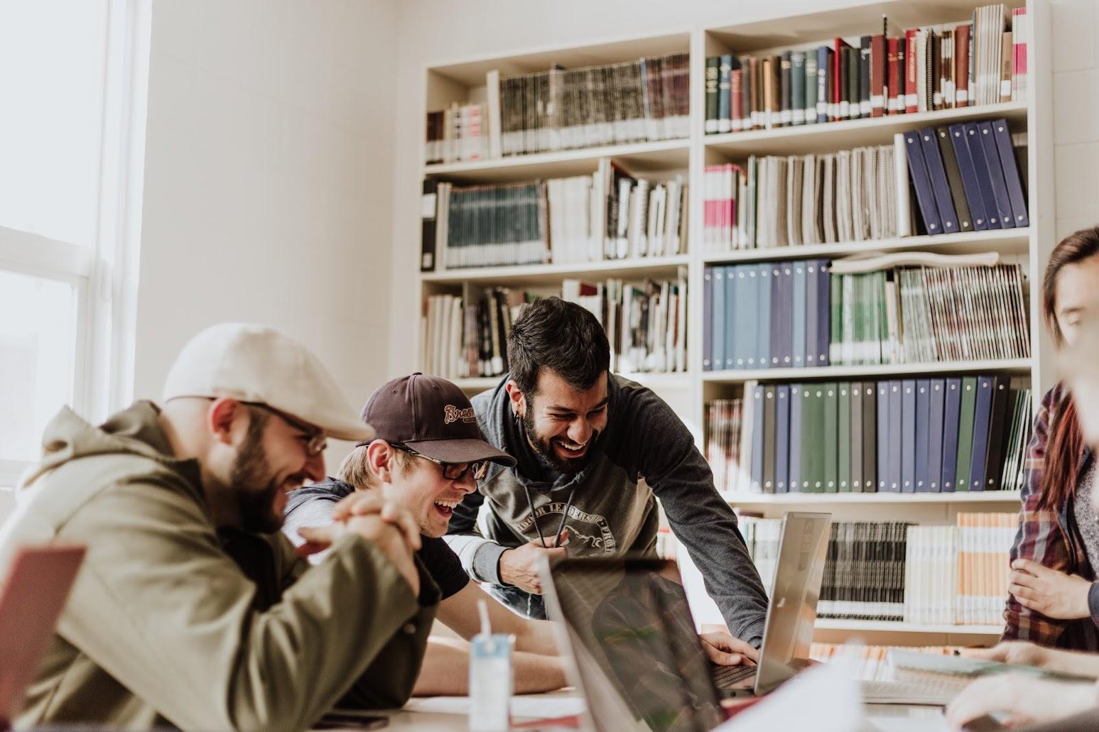 12 Cara Cerdas Lulus Kuliah Cepat Bagi Mahasiswa