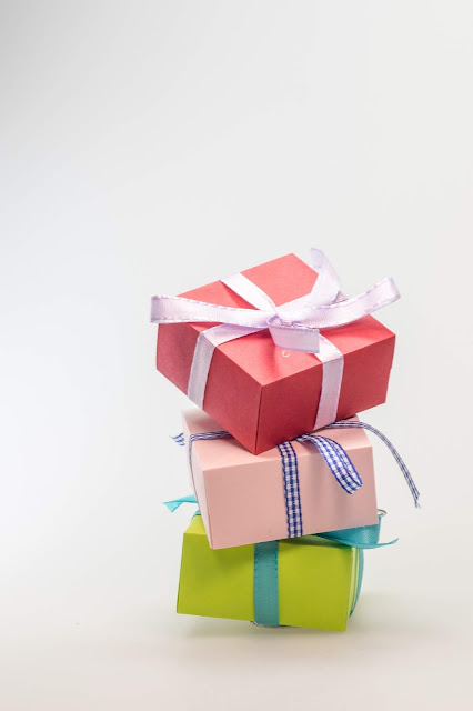 Best  Birthday Gift Ideas For Him as he turns 18th-Special Gifts