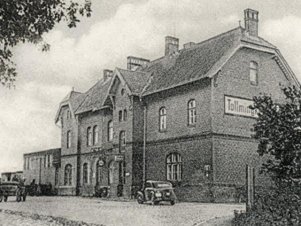 Здание жд вокзала Толльмингкемена 1931
