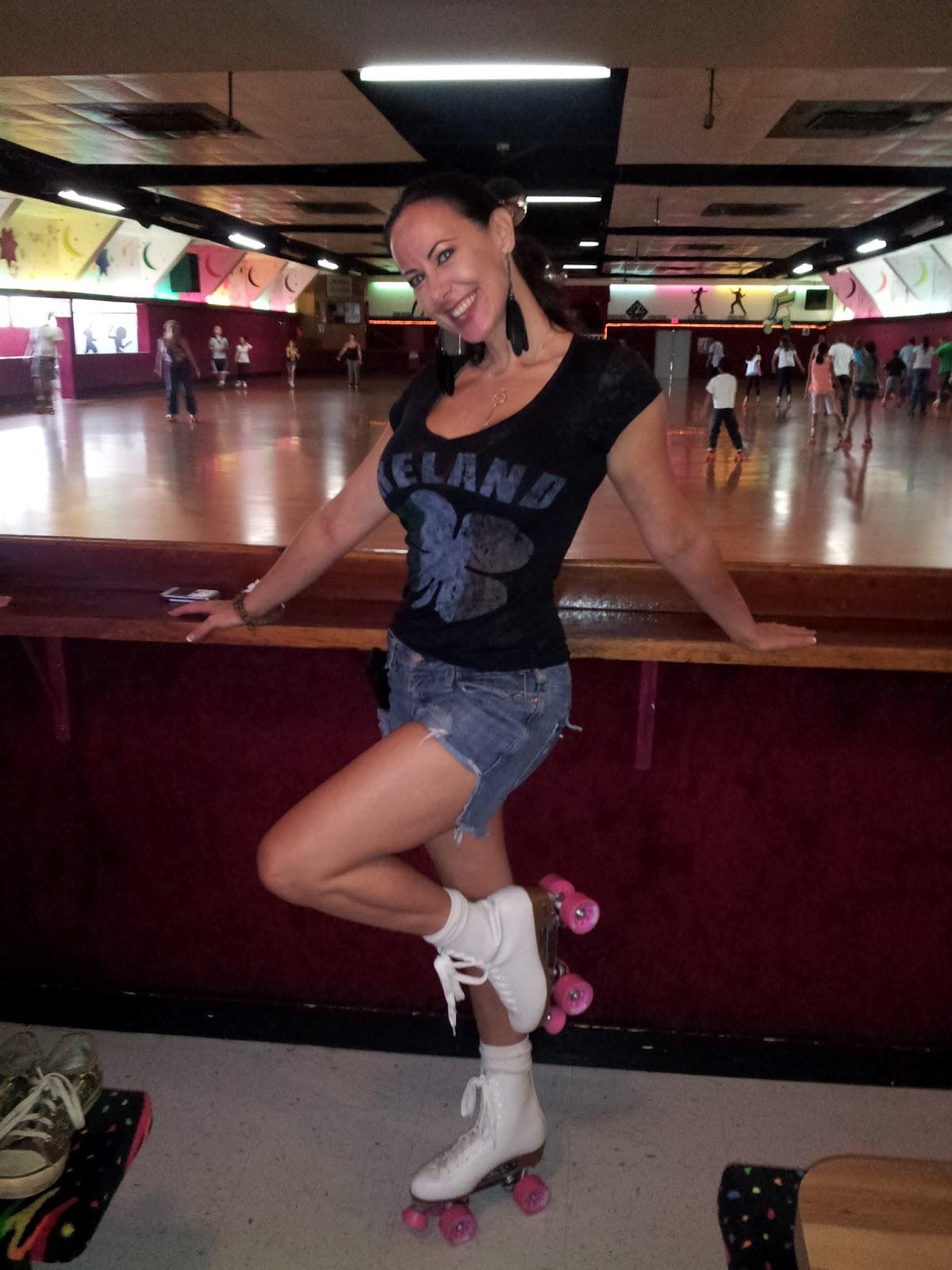 Paris kennedy rollerskates