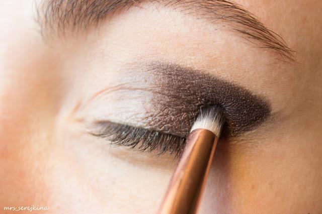 Universal evening make-up: step 5