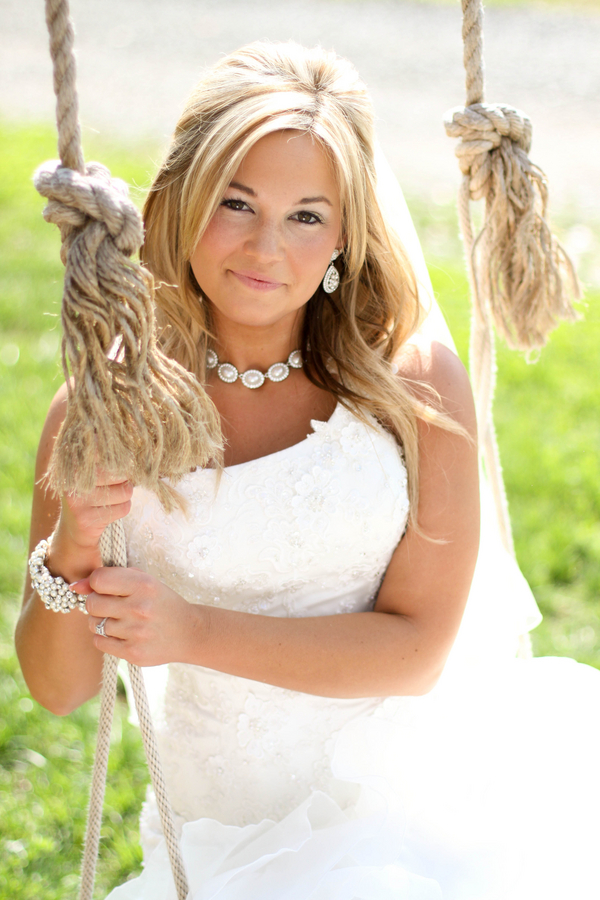 Southern+charm+belle+cowgirl+cowboy+rustic+outdoor+vintage+boots+horse+farm+barn+south+north+carolina+blonde+bride+style+hair+hairdo+updo+half+updo+Mallory+Dawn+Photography+7 - Detail Spotlight - Bridal Portraits