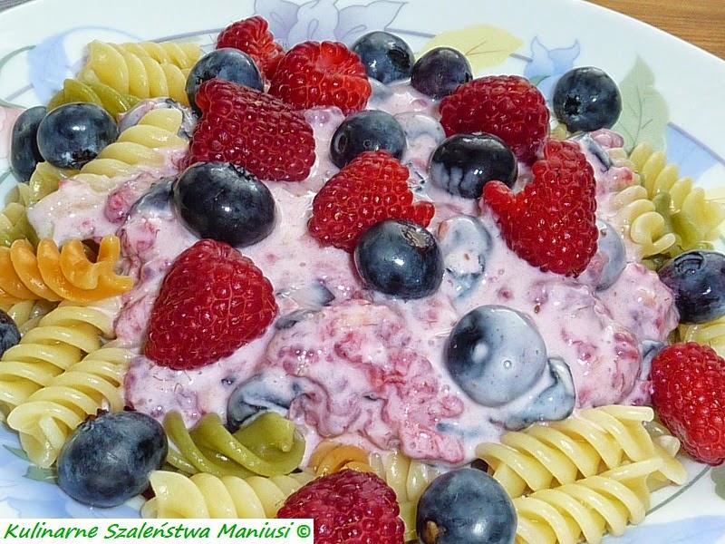Makaron z owocami :-)