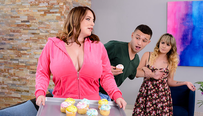 MommyGotBoobs - Maggie Green She's Sneaky Sweet