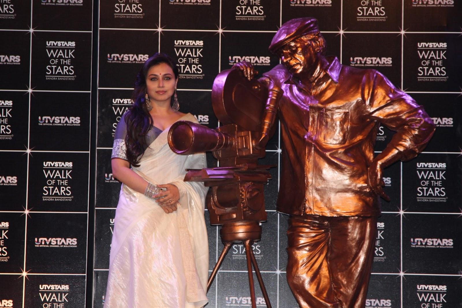 Rani mukherjee in saree at yash chopra statue launch