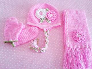 Bufanda y Gorros tejidos rosa para niña