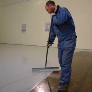 how to make self-leveling epoxy floor - adding the primer layer