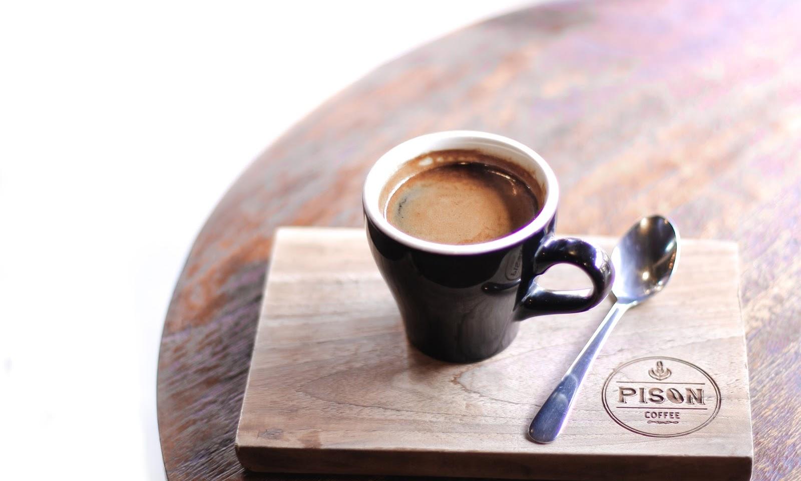 pison coffee shop seminyak