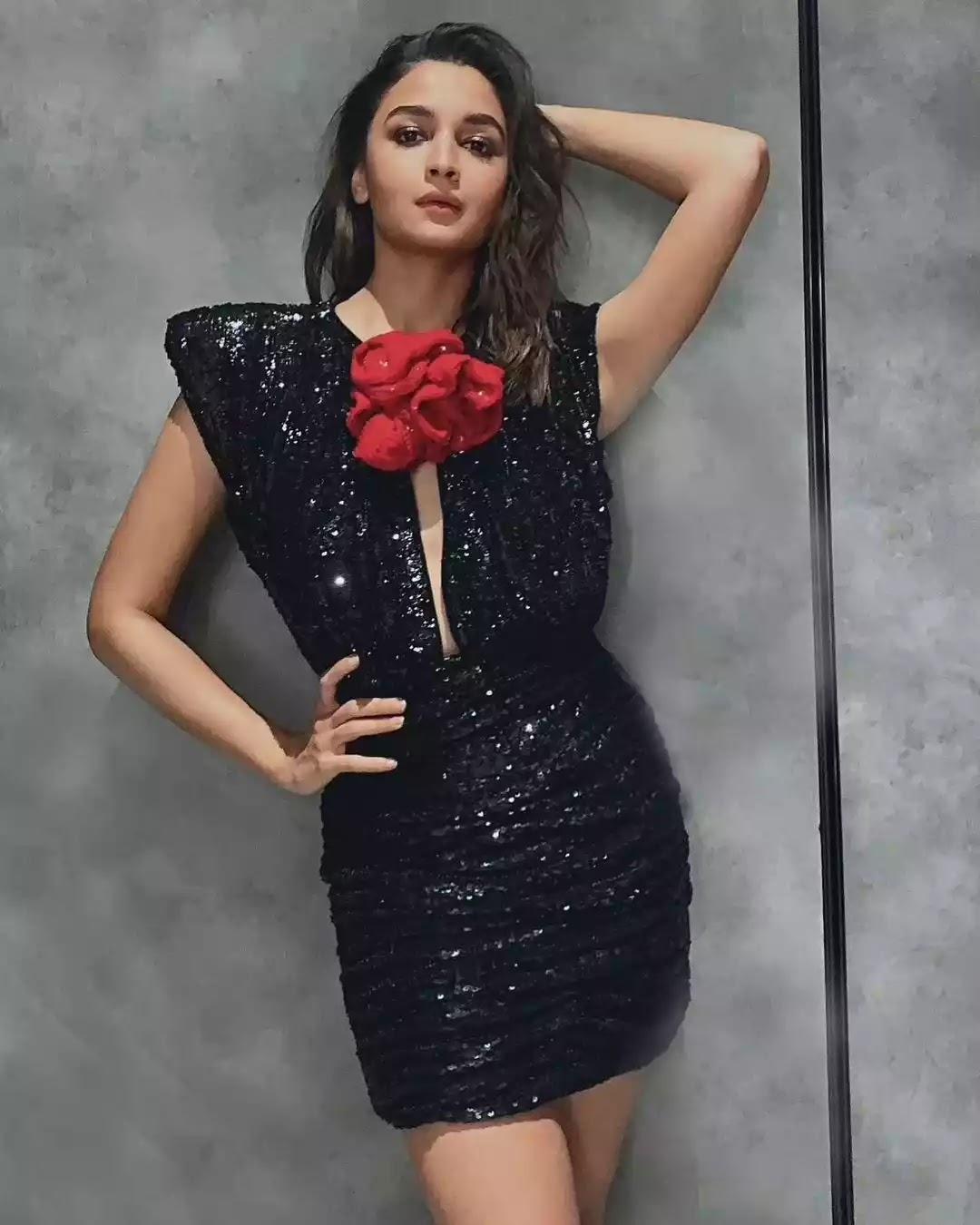 alia-bhatt-in-black-sequinned-mini-dress